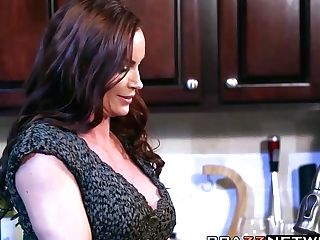 Spectacular Cougar Diamond Foxxx Having Rough Orgy In A Kitchen