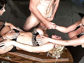 Juggy Harlot With Obese Donk Mary Anne Takes Part In Crazy Group...