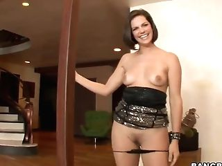 Taunting Cougar Bobbi Starr Gets Big Plaything Up Her Bootie